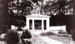 Mausoleum in Klink